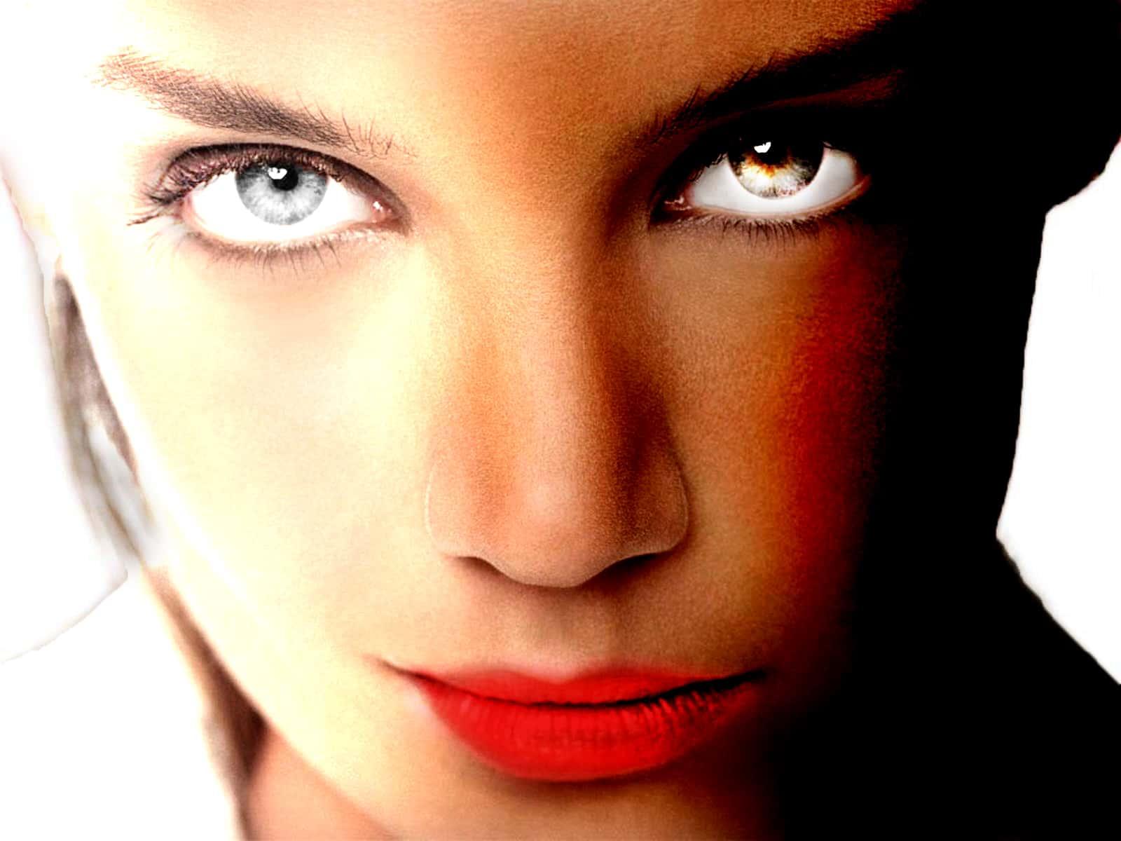 Trucco photoshop made by AB WebDesign realizzazione siti web e grafica commerciale